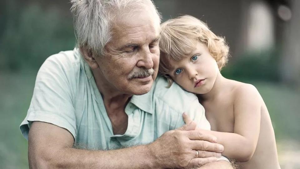 картинки старичок с детьми наливной пол дешевле