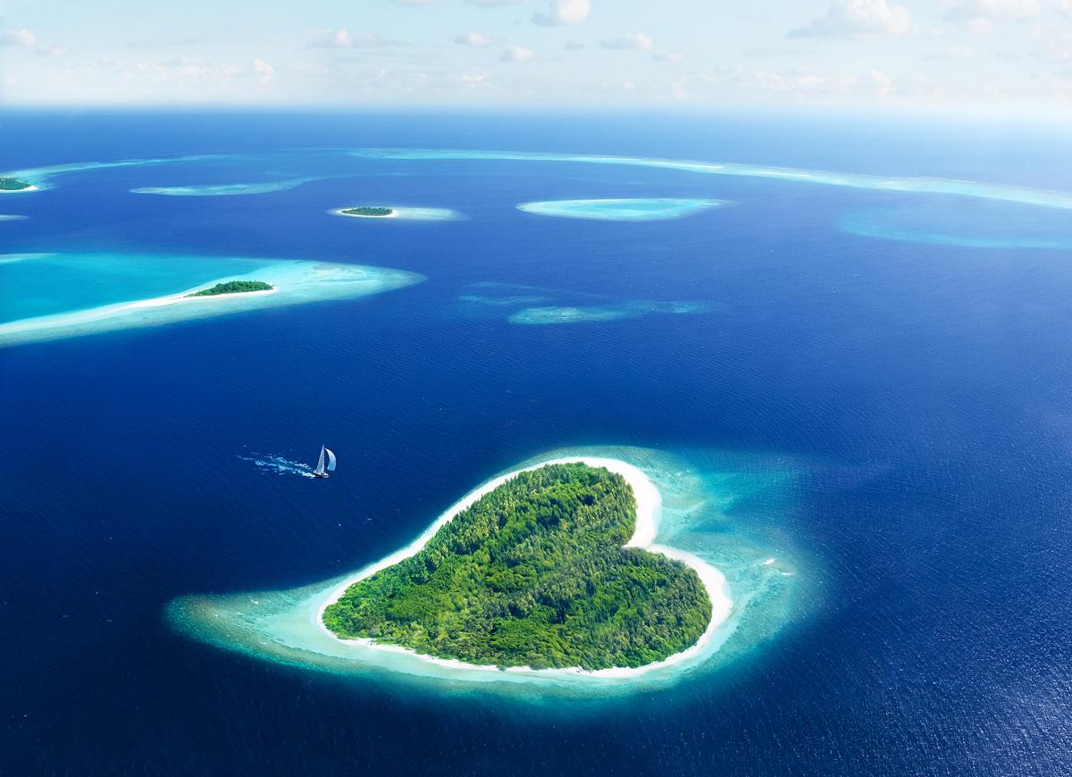 Остров_в_форме_сердца,_Мальдивские_острова
